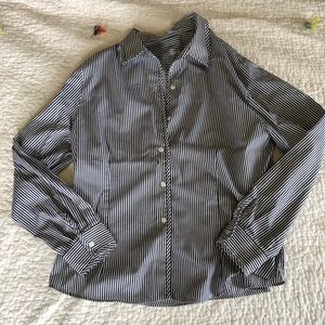 Fox Croft wrinkle free fitted button up